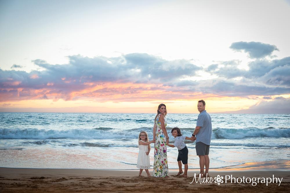 Maui Family Portrait at Makena Surf Beach – Furnari Family