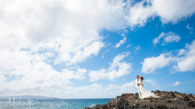 Maui Wedding Photography by Mieko Horikoshi.  She is a Kodak Gallery Award Photographer and one of the best photographer on the island.  日本人フォトグラファーによるマウイ島での写真撮影。ウェディングの前撮り、後撮り、フォト婚、家族写真。